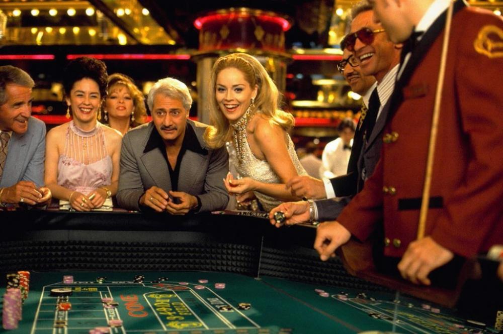 Хто выирывал в казино казино простое девять линий которых разместились пять барабанов любой желающий
