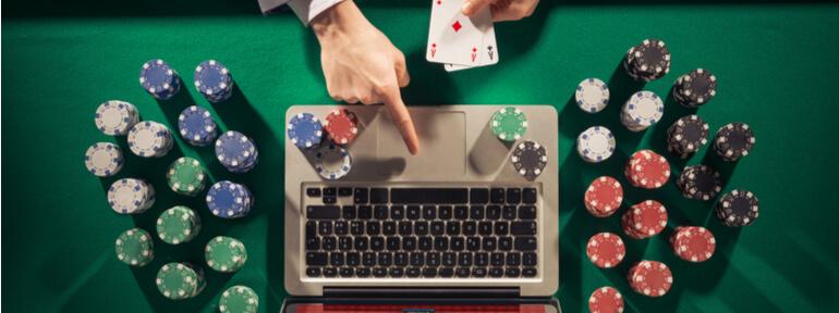 Карткова гра дурень проти компютера